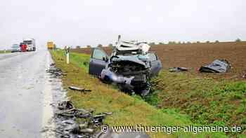 Frau stirbt bei schwerem Unfall auf B4 - Thüringer Allgemeine