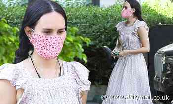 Rumer Willis dons a floral dress and mask to grab a smoothie to-go from Earthbar