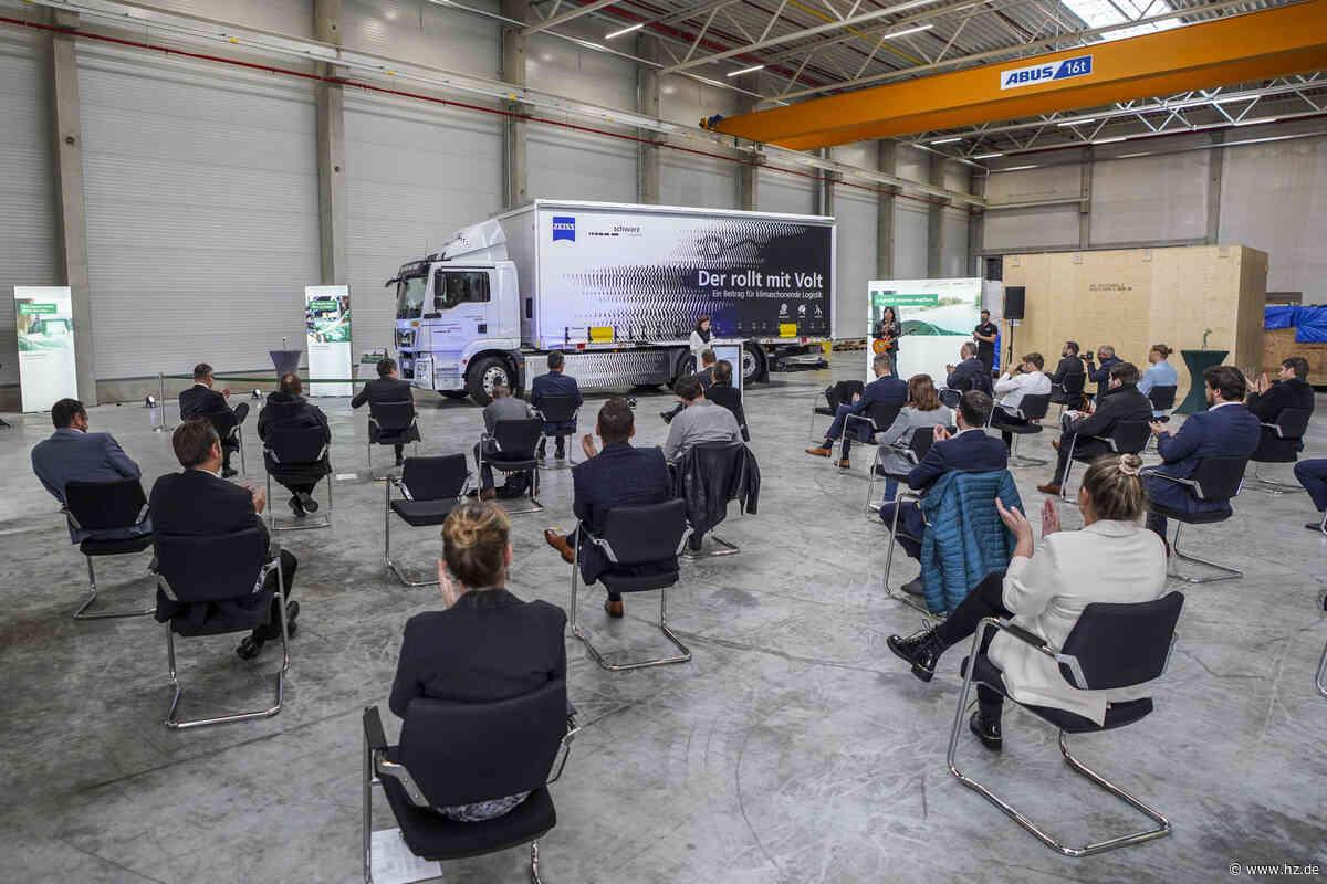 Schwarz Logistik : Wie der neue E-Lkw aus Herbrechtingen als wissenschaftliches Projekt genutzt wird - Heidenheimer Zeitung