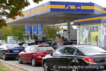 Franzosen fürchten Grenzschließung und kaufen in Breisach ein - Südwest - Badische Zeitung