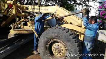 Para cumplir con tareas de mejoramiento vial, adecúan maquinaria en Tesalia - Noticias
