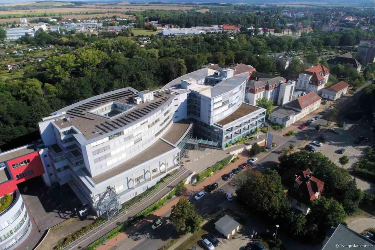 Klinik zeigt coronakranke Besucherin an - GZ Live