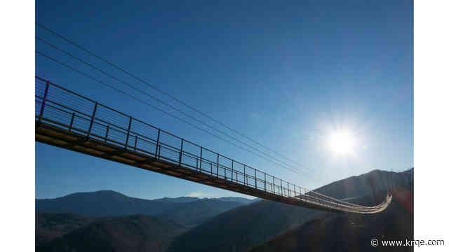 Performers to cross highline alongside Gatlinburg SkyBridge 150 feet in the air