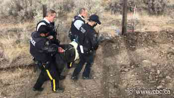 5 arrested after standing in way of Trans Mountain pipeline construction in B.C. Interior