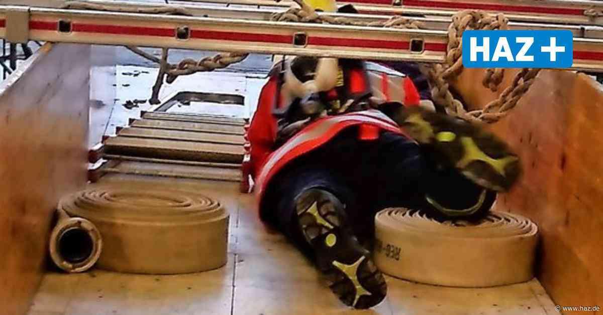 Uetze: Feuerwehr Eltze trainiert Atemschutz - Hannoversche Allgemeine