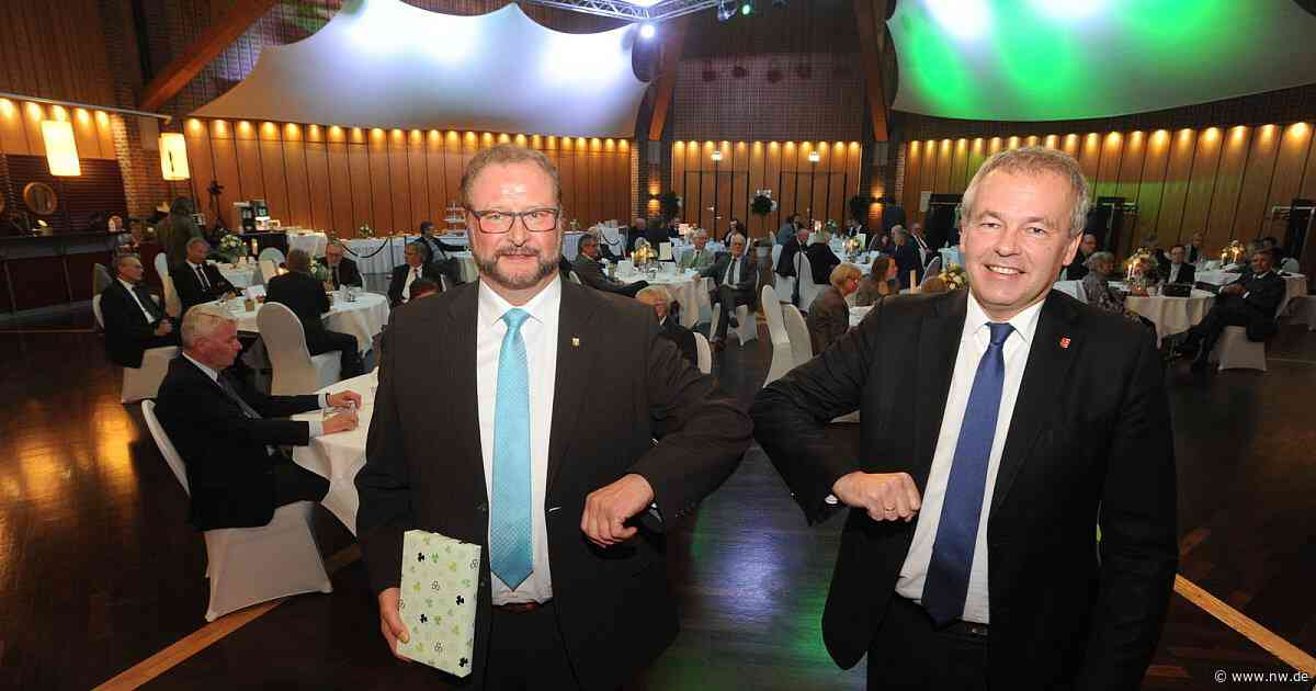 Espelkamp verabschiedet Bürgermeister Heinrich Vieker - Neue Westfälische