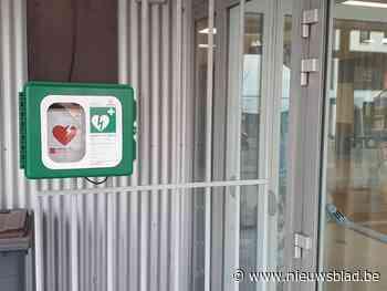Defibrillator verplaatst naar buitenzijde sporthal