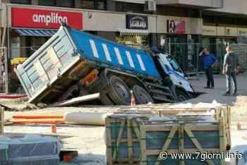 "San Giuliano Milanese: camion ""ingoiato"" dal terreno - 7giorni"