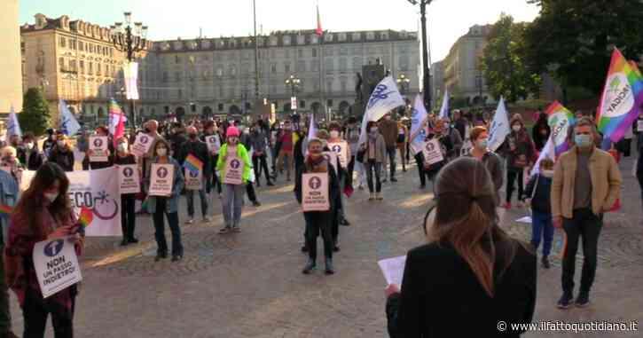 """Ddl Zan, Torino in piazza contro l'omotransfobia: """"Non si scenda a compromessi sulla legge"""""""