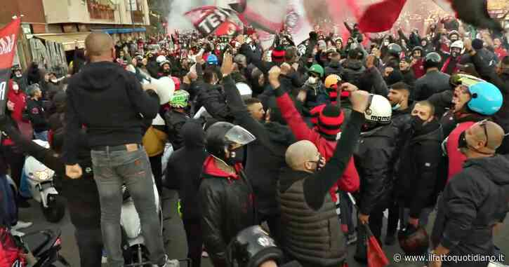 Derby Inter-Milan, raduno degli ultras fuori dallo stadio: i tifosi accalcati per accogliere le squadre – Video