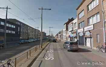 Politie verzegelt garage in Hoboken die niet in orde is met vergunningen - Gazet van Antwerpen