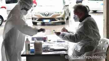 Tamponi, San Martino stressato: scendono in campo anche i medici di base - La Repubblica