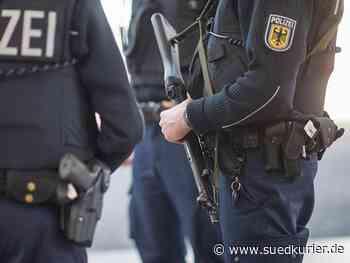 Ulm: Großeinsatz: Polizei beschlagnahmt Wehrmachtsuniformen und Waffen – auch im Kreis Sigmaringen - SÜDKURIER Online