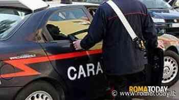 Tenta di rapinare un supermarket armato di forbici e scappa: fermato dai carabinieri