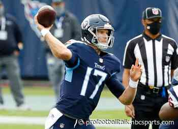 Ryan Tannehill throws three TDs to give Titans 21-10 halftime lead