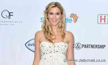 Joss Stone reveals that she stood in horse MANURE