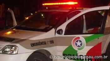 Homem agride a própria mãe com socos e é preso em Blumenau - O Município Blumenau