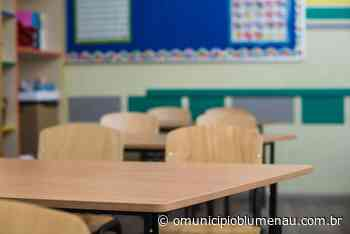 VÍDEO: Secretária de Educação fala sobre volta às aulas em Blumenau - O Município Blumenau