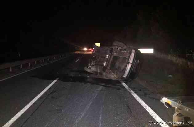 POL-PDKH: Verkehrsunfall auf der B 41 - Anhänger mit PKW gerät ins Schleudern und fällt um