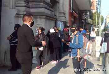 Bolivianos acuden masivamente a las urnas en Buenos Aires - EL DEBER