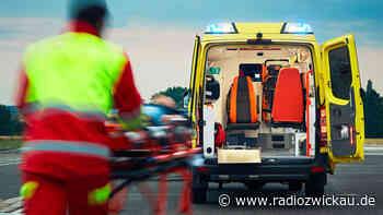 Auto überschlägt sich in Crimmitschau - Radio Zwickau