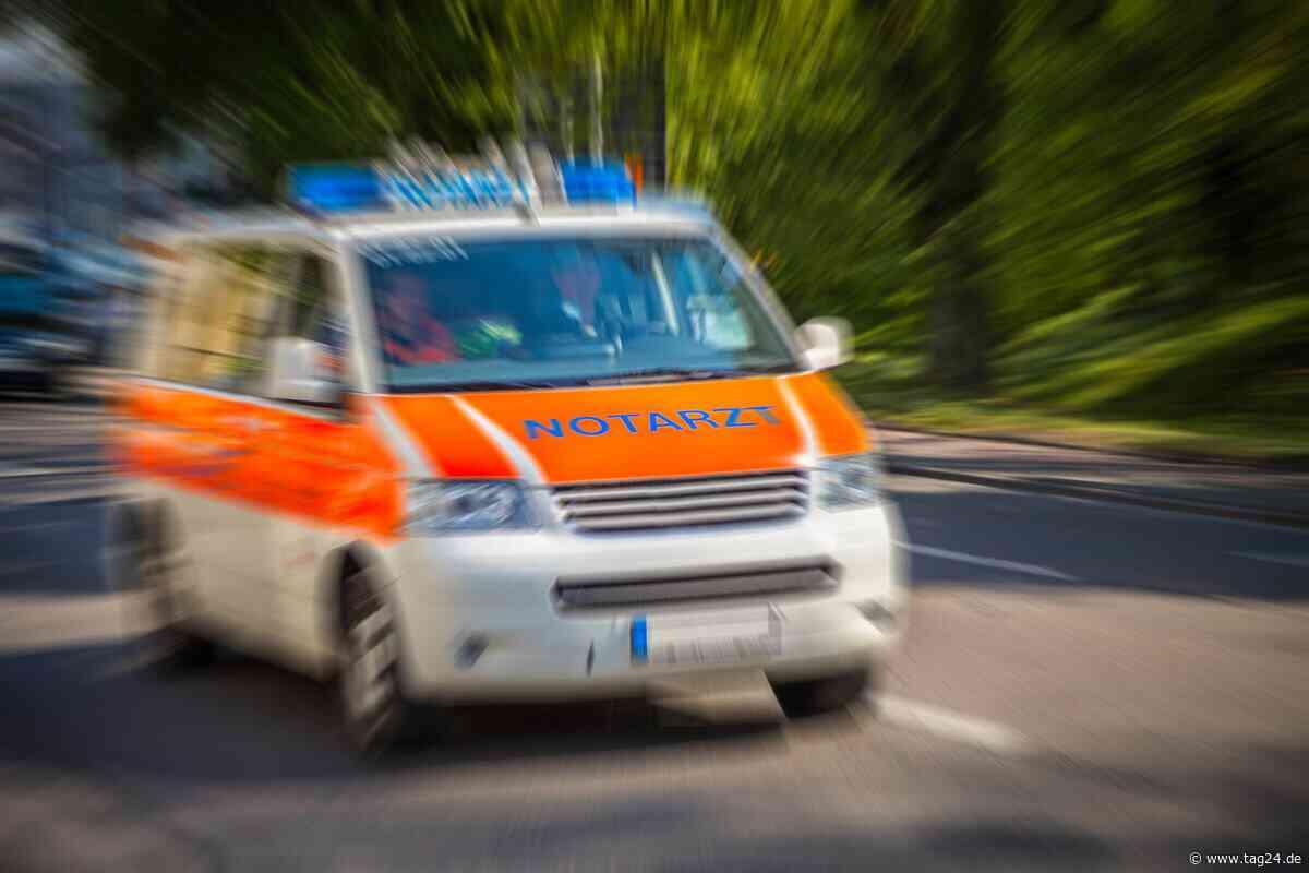Auto fährt in Graben: Zwei Mädchen in Crimmitschau verletzt - TAG24