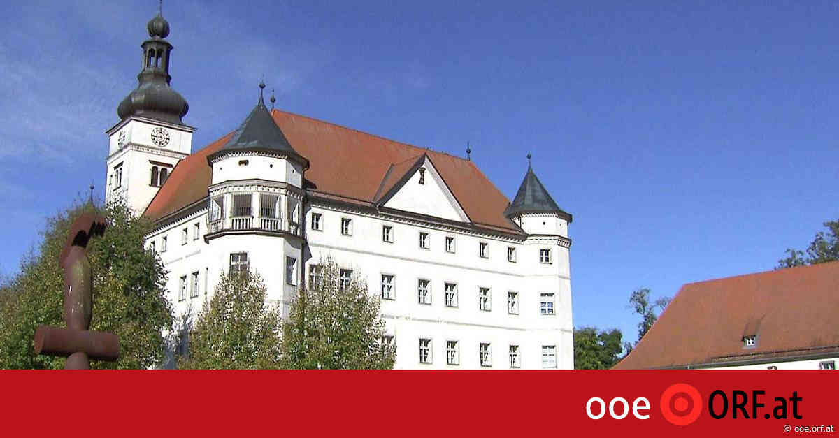 Gedenkfeier in Schloss Hartheim - ORF.at