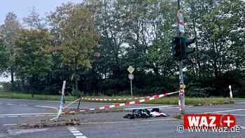 Heiligenhaus: Ampel bei Unfall zerstört; Fahrer flüchtet - Westdeutsche Allgemeine Zeitung