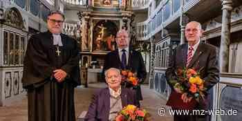 Auszeichnung in Coswig: Anhalter Kreuz vom Kirchenpräsidenten - Mitteldeutsche Zeitung