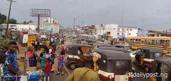 End SARS: Students stranded as protesters block Dutse/Bwari road [VIDEO] - Daily Post Nigeria
