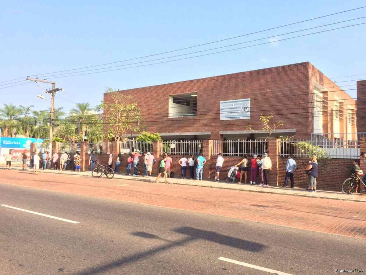 Erste Schlangen vor den Wahllokalen in Santa Cruz - amerika21.de