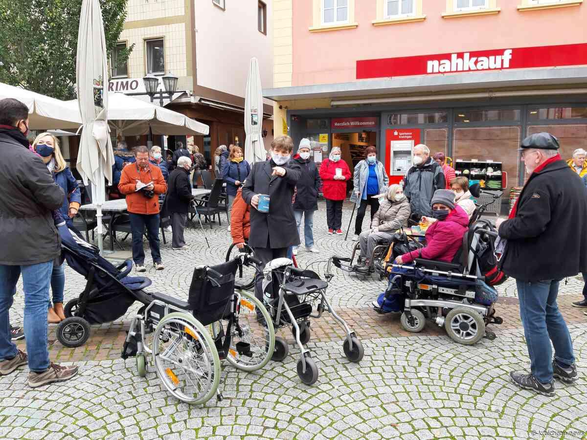 Begehung der Innenstadt mit Verein Lasso - Hilfe für Menschen in Bretten und Umgebung: Licht und Schatten für Rollstuhlfahrer in Bretten - Bretten - kraichgau.news