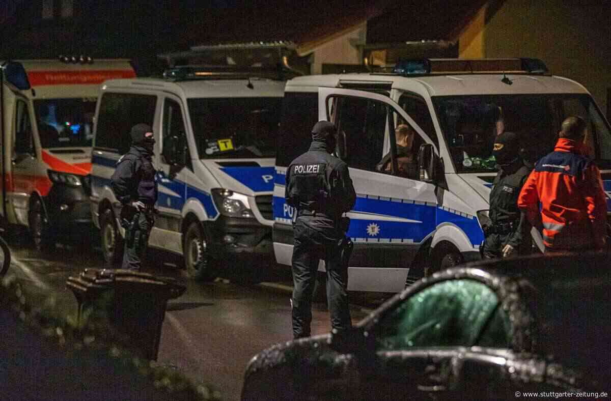 Haus in Backnang durchsucht - Spezialkräfte der Polizei im Einsatz - Stuttgarter Zeitung