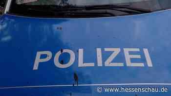 A49-Ausbau: +++ Angriff auf Polizeifahrzeug +++ Al-Wazir weist Kritik an Grünen zurück +++ Menschenkette abgesagt +++ - hessenschau.de
