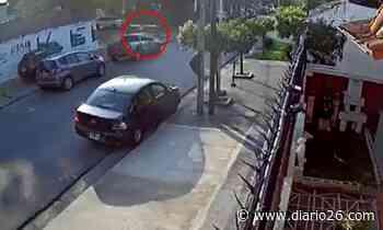 Lomas del Mirador: joven resistió ataque de dos motochorros que le apuntaron con un arma - Diario 26