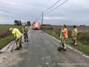 """Brandweer uren bezig om in allerijl modder op te ruimen vlak voor doortocht Driedaagse Brugge-De Panne: """"Veiligheid van renners kwam in het gevaar"""""""