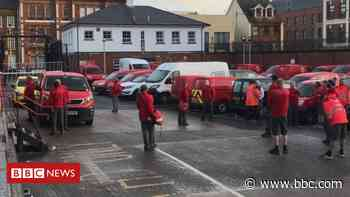 Coronavirus: Royal Mail's Derry staff in standoff over deep clean - BBC News