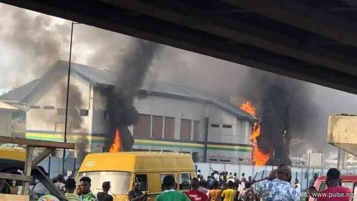 Thugs burn down police stations in Lagos as #EndSARS protests are hijacked by hoodlums