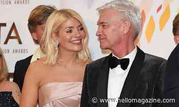 Holly Willoughby's fans in love with new photo with Phillip Schofield