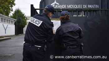 French authorities shut Paris mosque - The Canberra Times