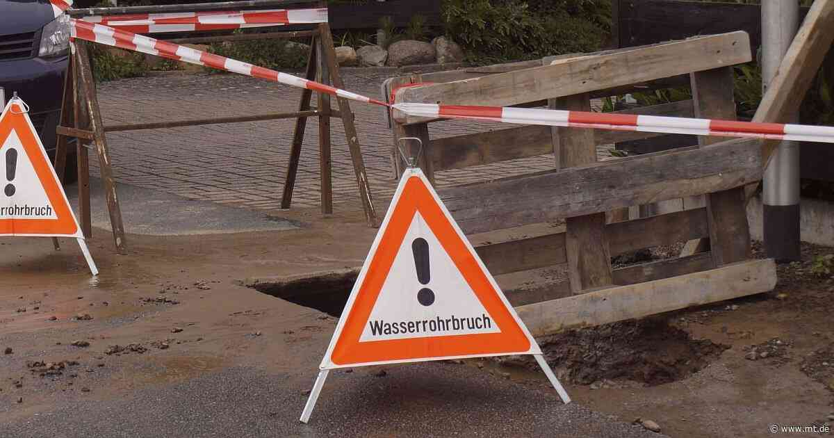 Rohrbruch in der Bahnhofstraße in Eisbergen - Mindener Tageblatt
