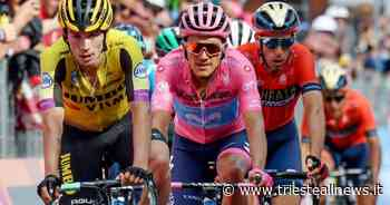Partita dal centro di Udine la 16/a tappa del Giro d'Italia - TRIESTEALLNEWS