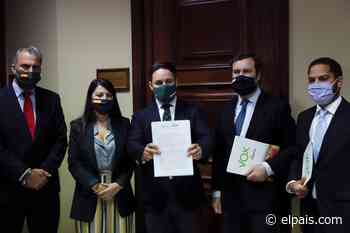 Vox atribuye Sánchez querer sustituir al Rey y volar la cruz del Valle de los Caídos - EL PAÍS