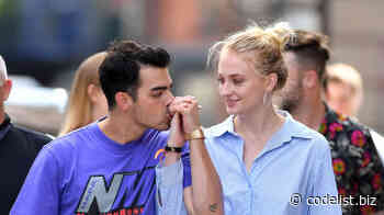 The photos of Sophie Turner and Joe Jonas walking with his daughter, where all have been set in the figure of the actress of 'Game of Thrones' - Code List