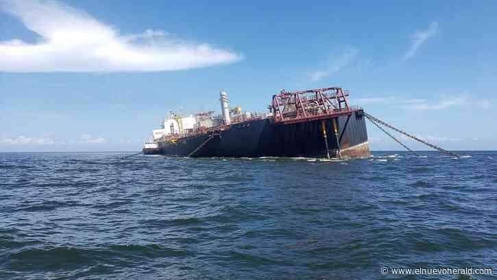 Tanquero venezolano dañado y cargado de crudo crea pánico en Trinidad y Tobago - El Nuevo Herald