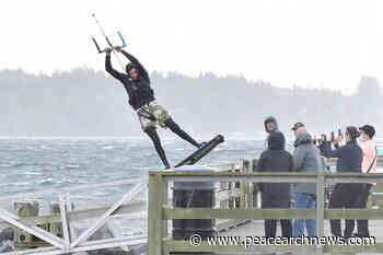 PHOTOS: Kite-surfers put on a show near White Rock Pier – Peace Arch News - Peace Arch News