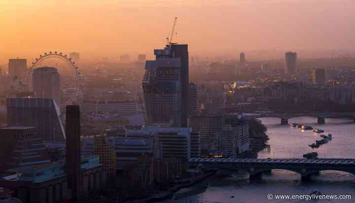 Air pollution 'costs the average London citizen £1,180 every year'