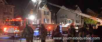 [PHOTOS] Un triplex est la proie des flammes dans Duberger