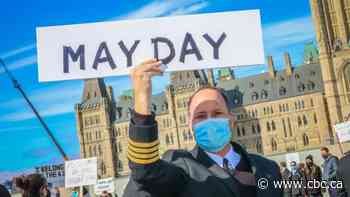 Aviation workers call for federal plan as COVID-19 cases continue to surge in parts of Canada