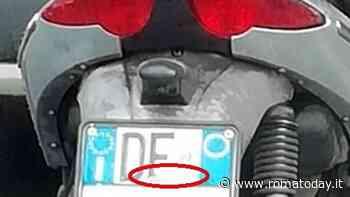 Modifica la targa dello scooter per commettere infrazioni e non essere multato